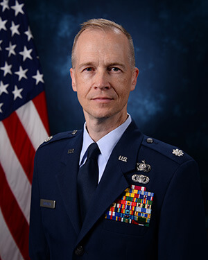 Official photo of Lt Col Growden