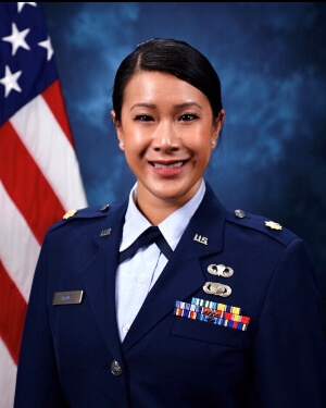 Official Photo of Lisa Wong
