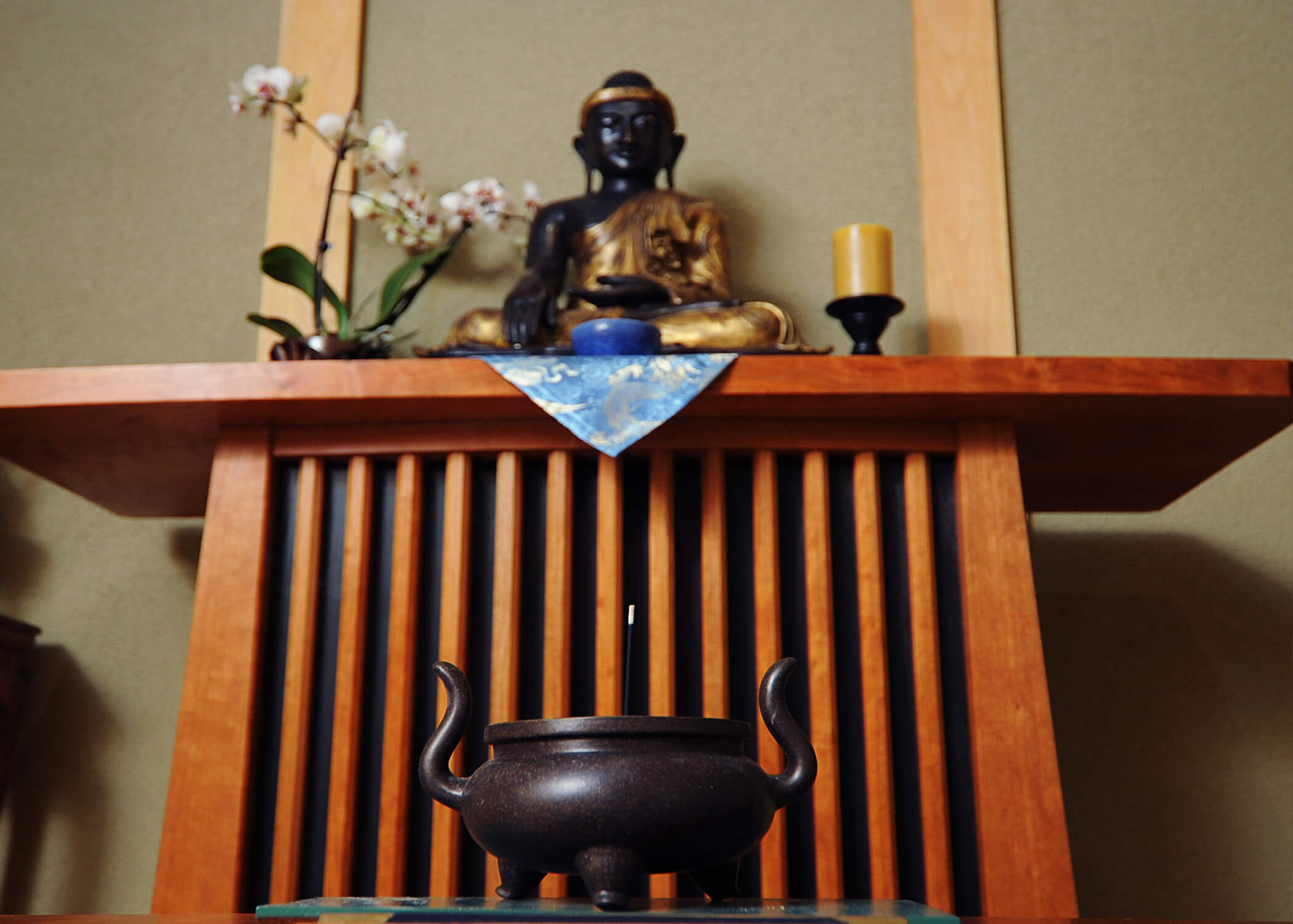 Image of a Buddhist meditation room at the U.S. Air Force Academy..